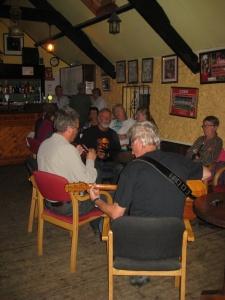 15. Vrijdagavond akoestisch begin in 'The Club'